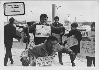 330px-Vietnam_War_protesters._1967._Wichita,_Kans_-_NARA_-_283625